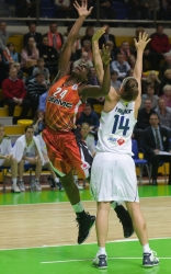 DA_Euroleague FIBA-UMMC-Fenerbakhche__20101124_096