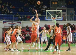 DA_Russian Premier League Women basketball_UMMC-Nadezhda Orenburg__20101212_011