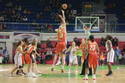 DA_Russian Premier League Women basketball_UMMC-Nadezhda Orenburg__20101212_012