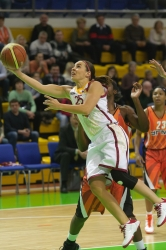 DA_Russian Premier League Women basketball_UMMC-Nadezhda Orenburg__20101212_018