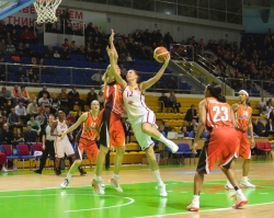 DA_Russian Premier League Women basketball_UMMC-Nadezhda Orenburg__20101212_044