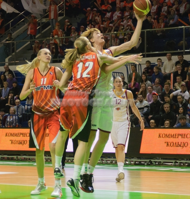 DA_Russian Premier League Women basketball_UMMC-Nadezhda Orenburg__20101212_048