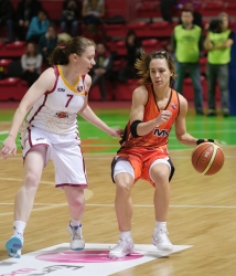 DA_Russian Premier League Women basketball_UMMC-Nadezhda Orenburg__20101212_053