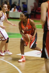 DA_Russian Premier League Women basketball_UMMC-Nadezhda Orenburg__20101212_054