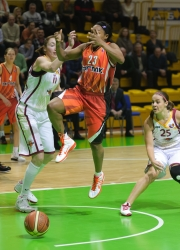 DA_Russian Premier League Women basketball_UMMC-Nadezhda Orenburg__20101212_059