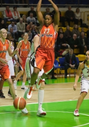 DA_Russian Premier League Women basketball_UMMC-Nadezhda Orenburg__20101212_060