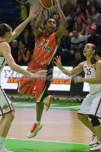 DA_Russian Premier League Women basketball_UMMC-Nadezhda Orenburg__20101212_063