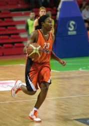 DA_Russian Premier League Women basketball_UMMC-Nadezhda Orenburg__20101212_064