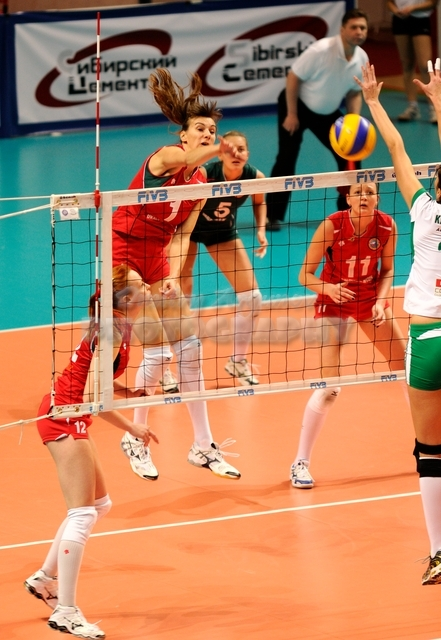 DA_12082009_110_Volley_Url-Ptkos