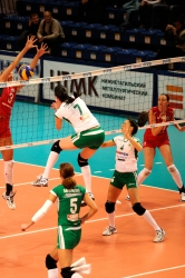 DA_12082009_125_Volley_Url-Ptkos