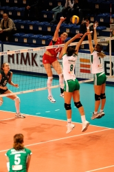 DA_12082009_155_Volley_Url-Ptkos