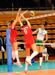 DA_12082009_235_Volley_Url-Ptkos