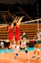 DA_12082009_243_Volley_Url-Ptkos