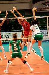 DA_12082009_361_Volley_Url-Ptkos