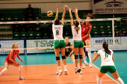 DA_12082009_375_Volley_Url-Ptkos