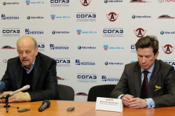 Marek Sikora, head coach of Avtomobilist Ekaterinburg and Vyacheslav Bykov, head coach of Salavat Yulaev Ufa on press-conference