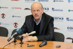 Marek Sikora, head coach of HC Avtomobilist Ekaterinburg