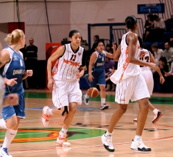 DA_02162010_Basketball UMMC vs Dinamo-GUVD_020