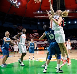 DA_02162010_Basketball UMMC vs Dinamo-GUVD_047
