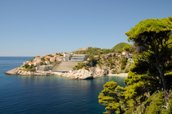 Hotel Lixos Ribertas at the coast of the Mediterranean sea. View from Pera Singrije street