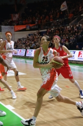 Svetlana Abrosimova #25 with the ball