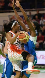 DA_Basketball_UMMC vs Dinamo Kursk_20110306_042