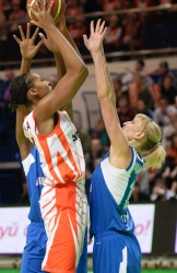 DA_Basketball_UMMC vs Dinamo Kursk_20110306_043