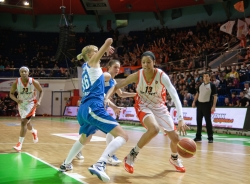 DA_Basketball_UMMC vs Dinamo Kursk_20110306_051