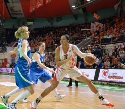 DA_Basketball_UMMC vs Dinamo Kursk_20110306_052
