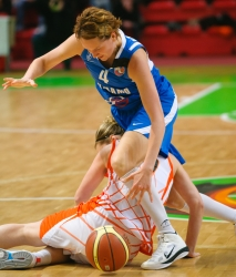 DA_Basketball_UMMC vs Dinamo Kursk_20110414_025