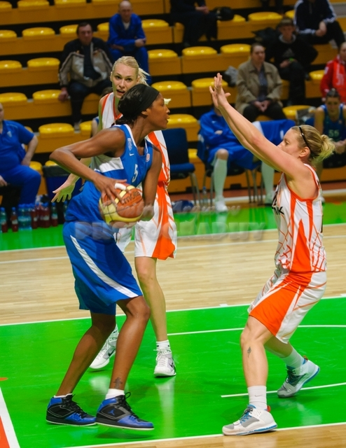DA_Basketball_UMMC vs Dinamo Kursk_20110414_030